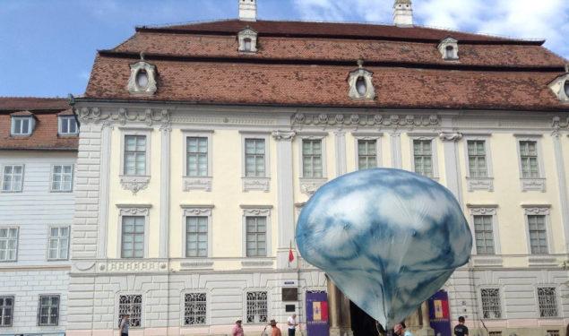 Directorul Muzeului Brukenthal supărat pe FITS