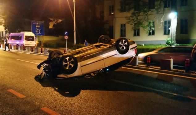 Mașina implicată în accidentul de pe șoseaua Alba Iulia era furată. Șoferul nu avea permis de conducere