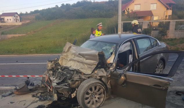 FOTO: Accident grav între un autoturism și un autocamion în Șura Mare