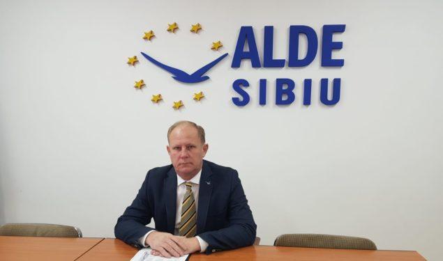 (CP) ALDE Sibiu: Guvernul liberal a decis ca din 2020 salariul minim pentru cei cu studii superioare să NU mai crească