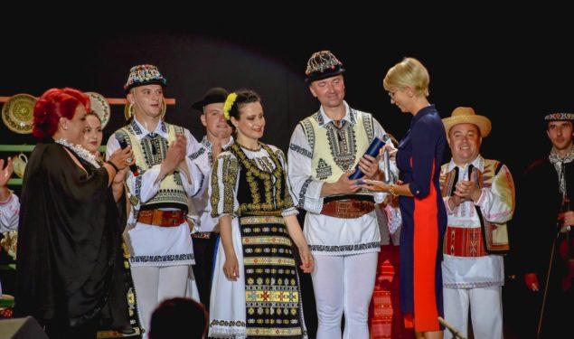 """Ediția cu Numărul 45 a Festivalului """"Cântecele Munților"""", dedicată eroilor din linia întâi"""